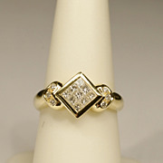 REDUCED Vintage 0.54 cwt diamonds  18 k gold engagement ring/right hand ring