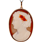 Antique Victorian Hard stone carved Cameo pendant