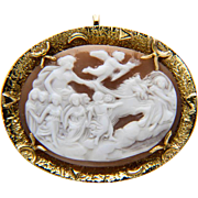 "Vintage Shell cameo brooch / pendant ""Aurora bringing light to the world"" 18 k yello"