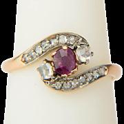 Antique ring Art Nouveau / Victorian cross over rose-cut diamonds garnet ring circa 1890-1900