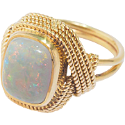 Vintage Opal ring 18 k yellow gold cocktail ring / right hand ring circa 1950