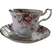 Royal Albert Cottage Garden Pink Roses Teacup and Saucer Gold/Gilt