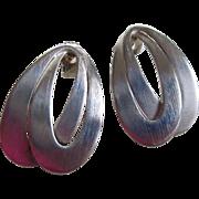 925 Silver Graceful Loop Post Earrings