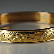 SALE Art Nouveau French 18kt Repousse Bangle