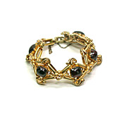 Victorian 18 kt Gold and Cabouchon Garnet Bracelet