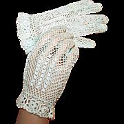 SALE Vintage Crochet Wrist Gloves w/ Rosettes c1935