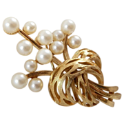 Vintage 1950's-1960's Trifari Simulated Pearl Bouquet Brooch Pin 2""