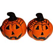 SALE Mini Halloween Pumpkins Salt and Pepper Shakers