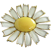 REDUCED Weiss Enamel Daisy Flower Pin ~ REDUCED!