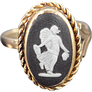 14K Antique Black & White Carved Cameo Stone Ring - Size 6 / Yellow Gold