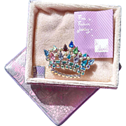 Signed B David Family Crown Brooch in Original Box with Insert - Book Piece