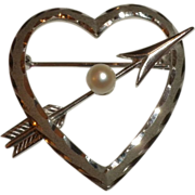 SIGNED 1950's Vintage Sterling Silver & Cultured Pearl HEART & ARROW Pin Brooch