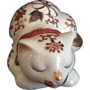 Japanese Vintage Imari Style Floral 猫 Neko or Cat Ornament or Statue