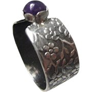 Silver Dark Amethyst ring - Textured band ring - Small stone ring - Purple Stone Ring - Size 8