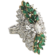 Stunning Diamond & Emerald Cocktail Ring - 18 Karat White Gold