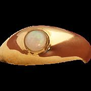 Vintage 10 Karat Gold Cabochon Opal Ring