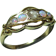 SALE Attractive Vintage 9ct Solid Gold 5-Stone Opal + Moonstone Gemstone Ring