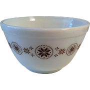 #401 Town & Country ~1 1/2 Pint Mixing Bowl ~ Pyrex