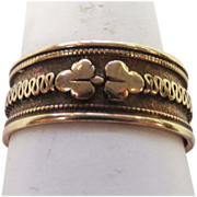 Ribbon Loop VIctorian Wedding Band in 10 karat Yellow Gold, circa 1876