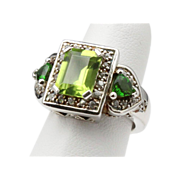 Vintage Sterling Silver Emerald Cut Peridot Gemstone Ring Size 6 Cocktail Fashion Jewelry