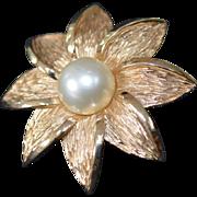 TRIFARI Flower Brooch Pin