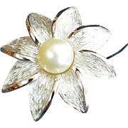 TRIFARI Ocean Daisy Brooch Pin