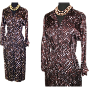 Vintage 1950s Dress  .  Novelty Print  .  Hourglass Dress  .  Couture .  Femme Fatale