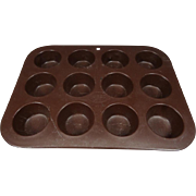 Mirro 182M Finest Aluminum Muffin 12 Cup Pan