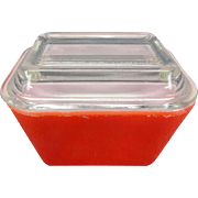 Pyrex #501-b 1 1/2 Cup Red Covered Refrigerator Dishes c 1960's