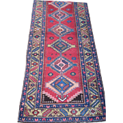 Heriz Runner , Oriental Rug , Azerbaijan province , Northwest Persia circa 1920 , 9.9 x 3.5