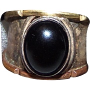 Retro MOD Vintage Sterling Silver Hammered 4.5 Carat Onyx Cabochon Ring with two tone ...