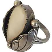 Old Pawn Sterling Silver Mother of Pearl Modernist Navajo Ring Size 7