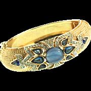 Vintage TRIFARI Jewels of India Flawed SAPPHIRE Cab Rhinestone Clamper BRACELET Cuff