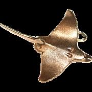 Vintage 1950s 14 carat yellow gold sting ray charm / pendant - 8 grams