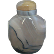 Large Grey Shadow Agate Snuff Bottle with Black and Grey Bands
