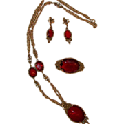 REDUCED Captivating high-end CORO Suite. Necklace, brooch, clip dangle earrings.  Circa 1960's