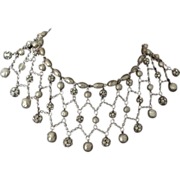 """Gorgeous silver """"mesh"""" necklace with rhinestones and faux baroque pearls"""
