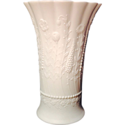 Vintage Kaiser White Matte Bisque Porcelain  FLORENCE Vase # 622 M. Frey