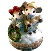 "Josef Originals Christmas Music Box Mice with a Wreath George Good 1970's  Plays, ""Silent"