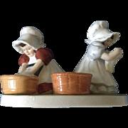 Vintage Sunbonnet Babies Monday Montag Washing Royal Bayreuth Designers Ceramic Figurine