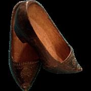 Wooden Dutch Shoes Vintage OLD Little Girl Carved Clogs Klompen Handmade Flower Design 7 Inche