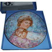 "EDNA HIBEL Mother Day  collector plate , 1984"" ABBY AND LISA """