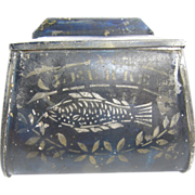 =RARE= belt-worn tin blue & white stencil bait pouch ca.1890, Leurre