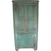 =Original Paint= Corner cabinet ca.1780-1810, Orange County Virginia, heart pine