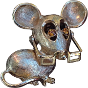 Vintage Avon Gold Tone Mouse Pin With Moveable Glasses