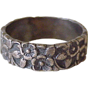 Forget Me Not Flower Vintage Band / Ring Sterling Silver by Uncas circa 1940-50's
