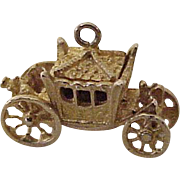 Royal Coronation Coach Moving Charm English 9K Gold Three Dimensional