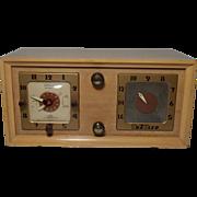 SALE Vintage TraVler Superheterodyne Radio and clock
