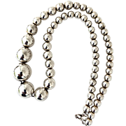 Beautiful Vintage Silver Tone Graduating Size Balls Necklace