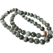 Vintage Chinese Green Jade Moss In Snow Nephrite 10 mm Bead Necklace 95.80 g